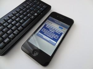 Die Verbindung der Tastatur zu einem iPhone klappt per Bluetooth