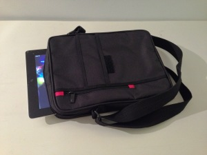 V7 Premium Messenger iPad Bag (38)